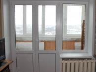 двустворчатая балконная дверь