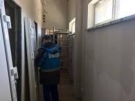монтирование дверей на подстанции «Янтарьэнерго»